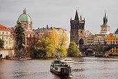 Прага — поцелуи под яблонями